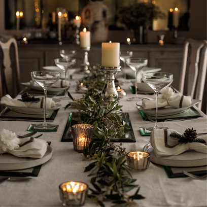 Sophie conran 39 s decorating ideas decorating advice from for Homemade christmas table decorations uk