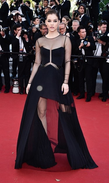 Cannes film festival 2015 red carpet fashion red online - Barbara palvin red carpet ...