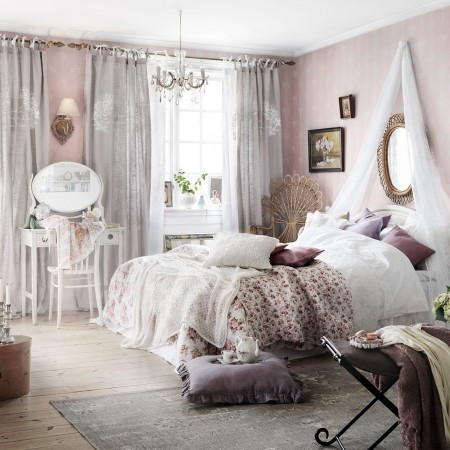 Interior Prettiest Bedrooms art placement lilyallsorts 25 of the prettiest feminine bedrooms bedrooms