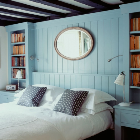 Bedroom: Contemporary Country: Blue Pannelled Bedroom With Alcove Shelving  And Storage