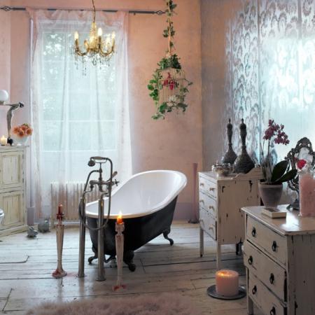 Bohemian bathrooms interiors redonline red online for Bohemian bathroom ideas