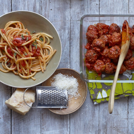how to make meatballs from mince