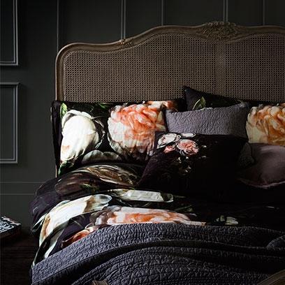 romantic bedroom ideas decorating ideas interiors. Black Bedroom Furniture Sets. Home Design Ideas