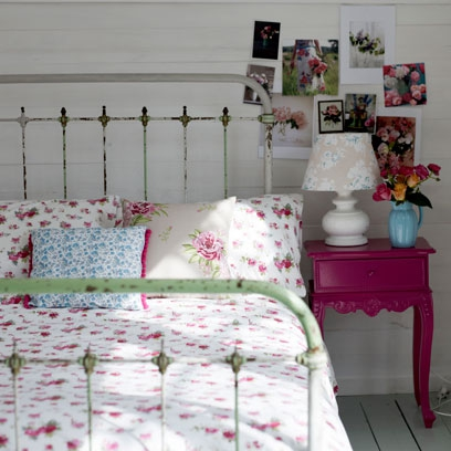 . Floral bedroom ideas  Beautiful bedroom decorating ideas   Red Online