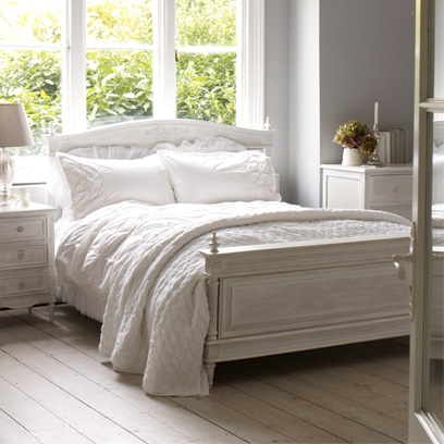 be artfully shabby - Grey Bedrooms