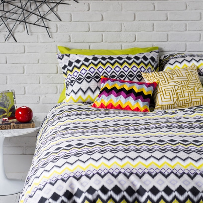 geometric print ideas bedroom - Colourful Bedroom Ideas