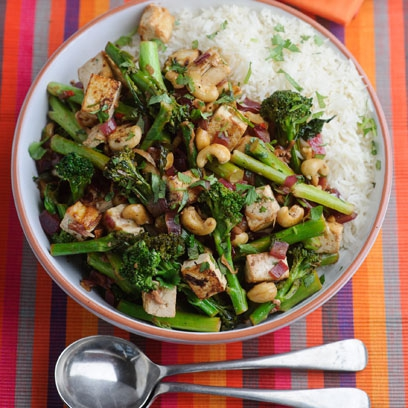 Cashew, Tofu, and Broccoli Stir-Fry