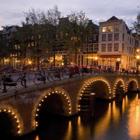 City breaks in europe weekend city breaks in europe for Design bridge amsterdam
