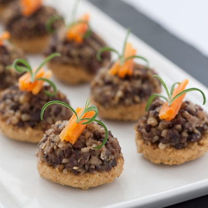 Haggis oatcake canap recipe food red online for Canape ingredients