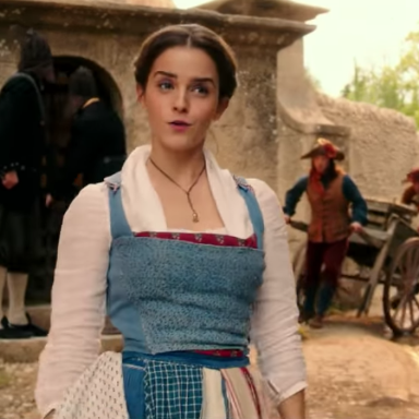 Emma Watson singing in this new Beauty and the Beast trailer is amazing