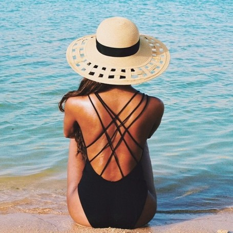The chic and sleek swimsuit we want now