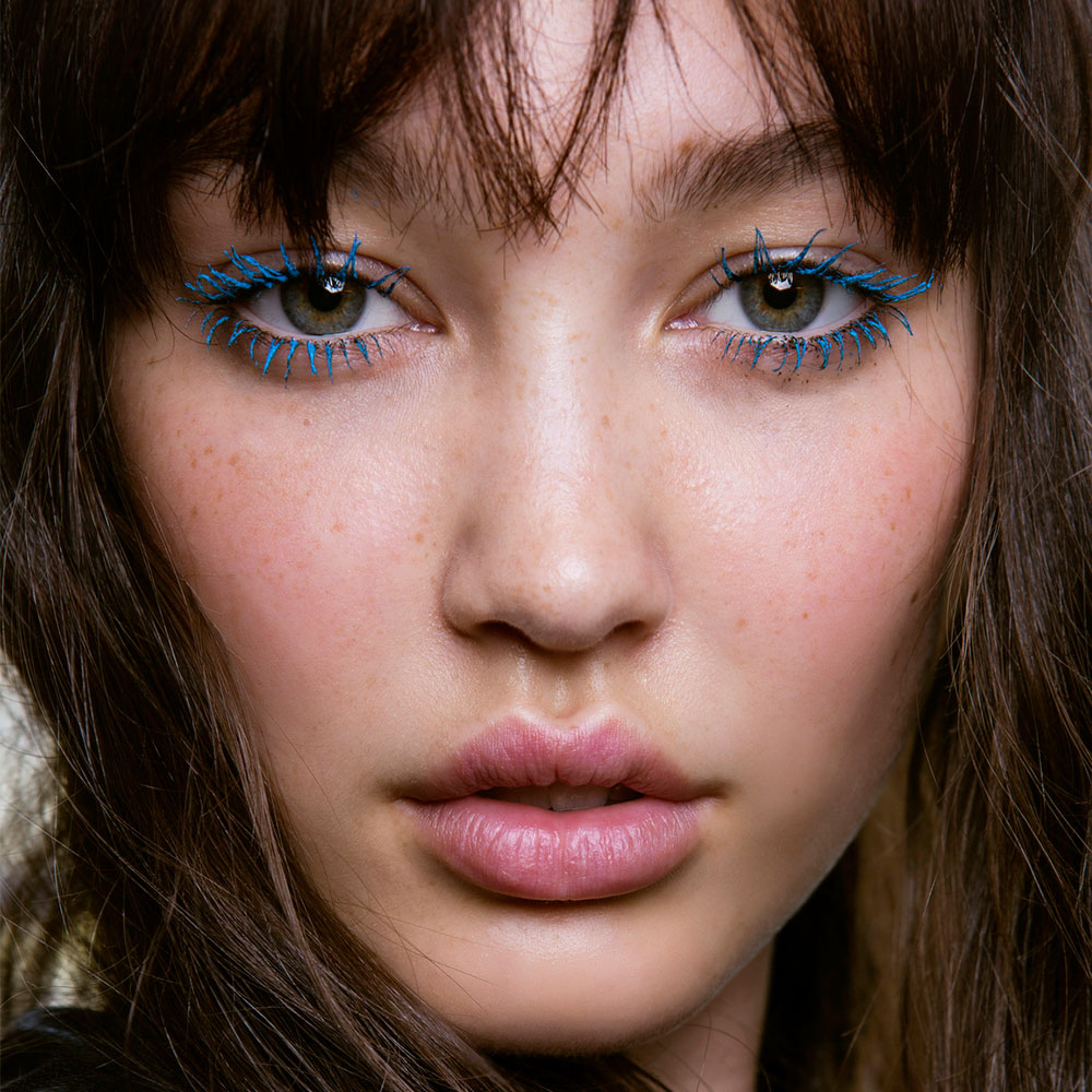 How to wear coloured mascara