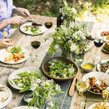 How To Style Your Summer Garden Party Table