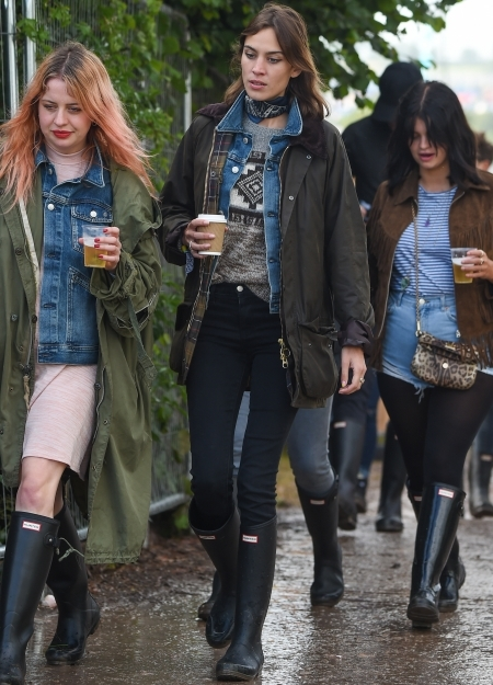 celebrity festival fashion at glastonbury 2015 red online