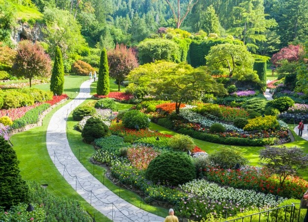 7 dream jobs you could be doing outside career change for Red landscape architects