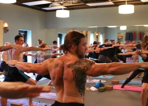 Weird Styles of Yoga - Naked Yoga