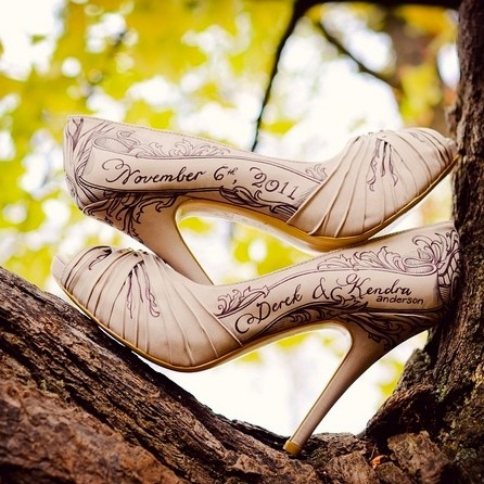 5 beautiful ways to customise your wedding shoes