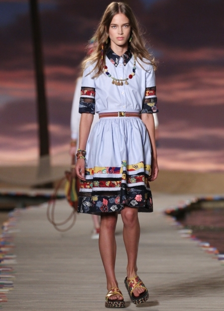Tommy hilfiger show report new york fashion week for Pool fashion show