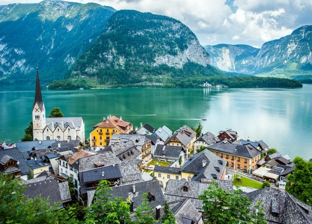 10 Of The Prettiest Villages Around The World Travel