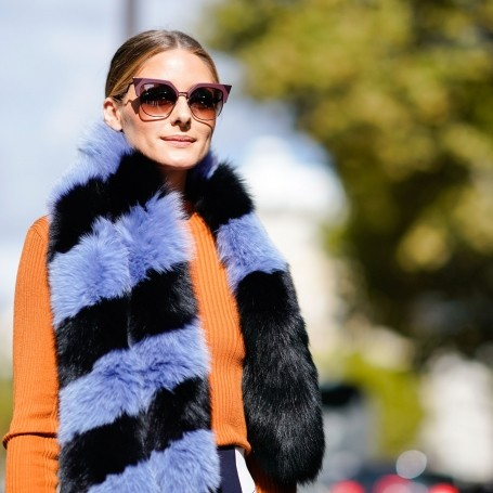 10 ways to style a scarf
