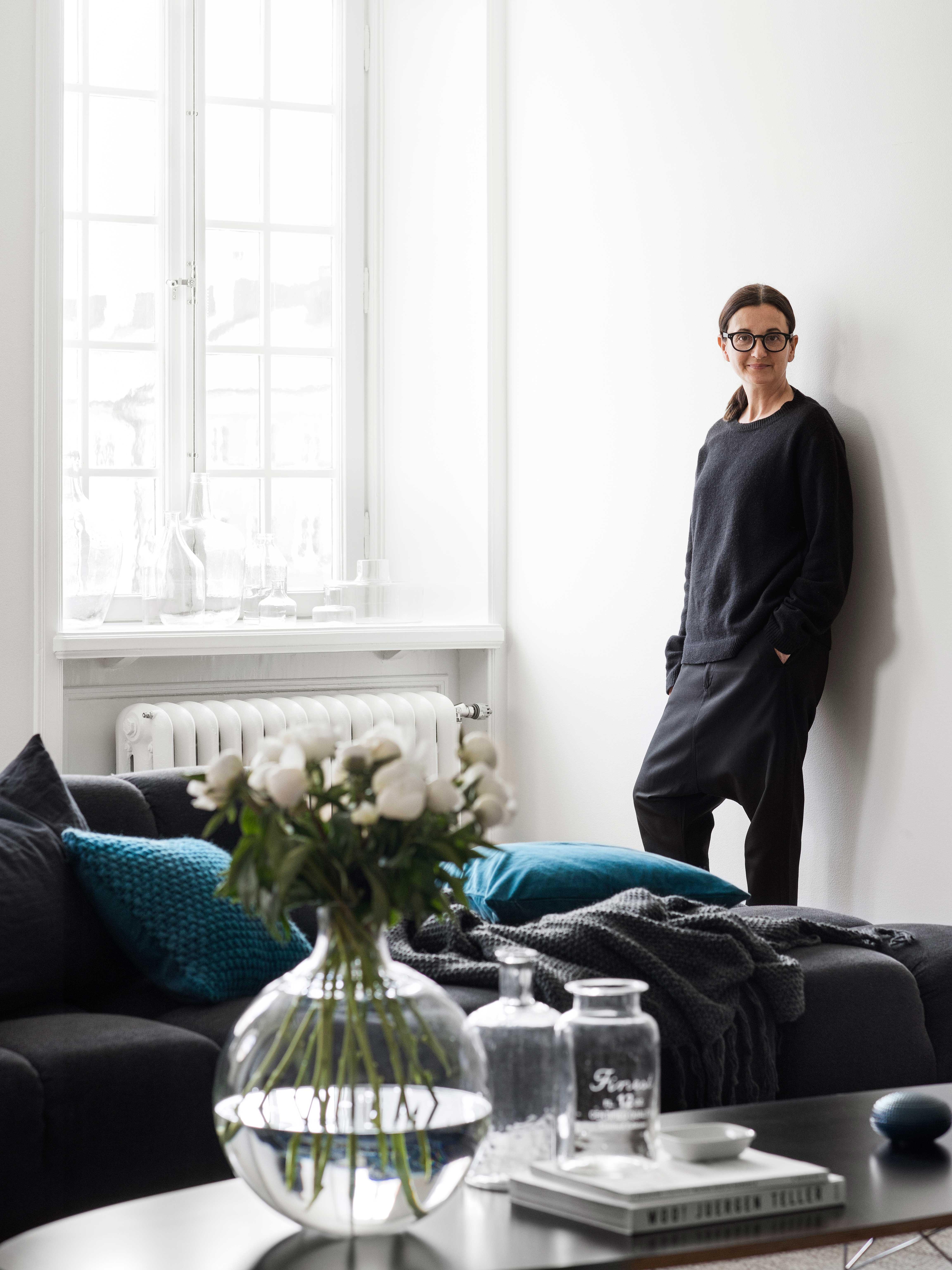 exclusive inside the home of evelina kravaev s derberg. Black Bedroom Furniture Sets. Home Design Ideas