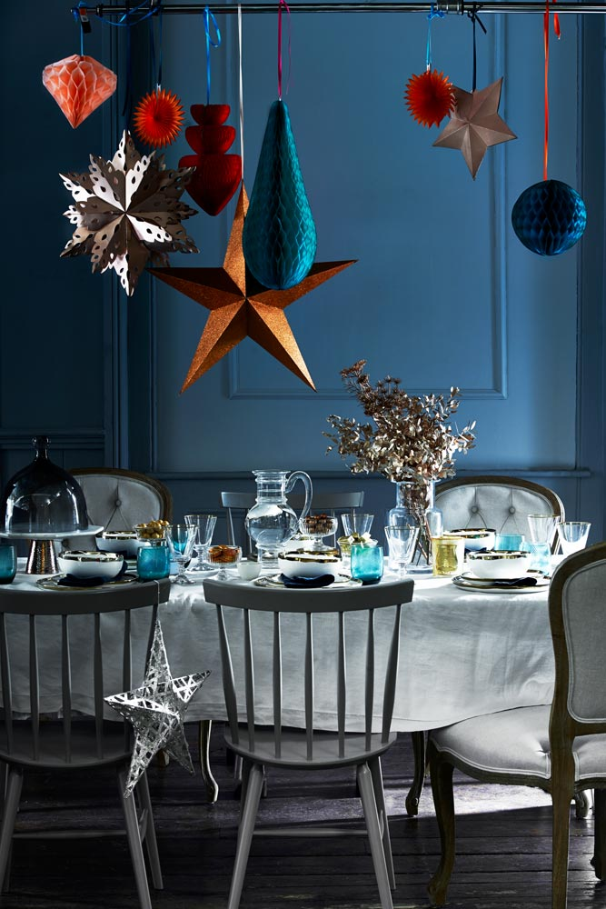 New and easy ways to decorate for christmas easy for Homemade christmas table decorations uk