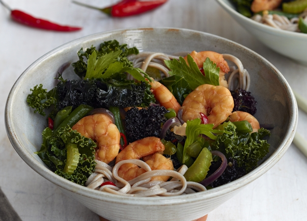 How to make the sirtfood diets asian king prawn stir fry buckwheat hannah hughes forumfinder Images