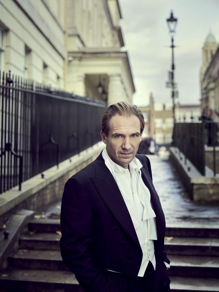 Ralph Fiennes Interview Red Online