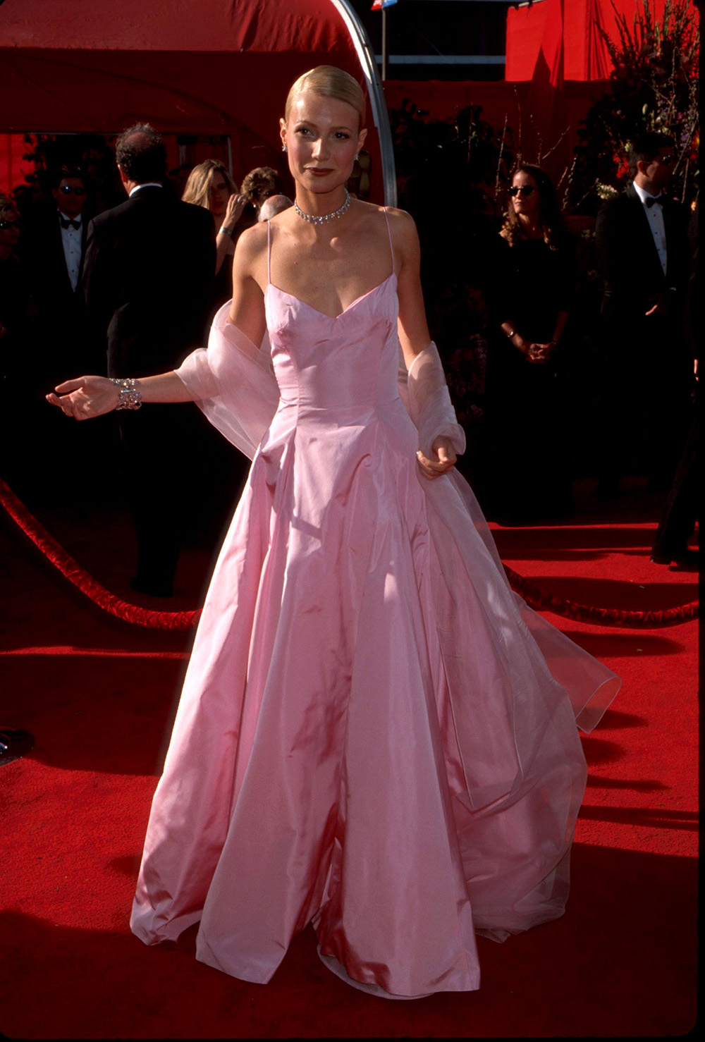 The Most Iconic Oscar Dresses Of All Time Red Carpet