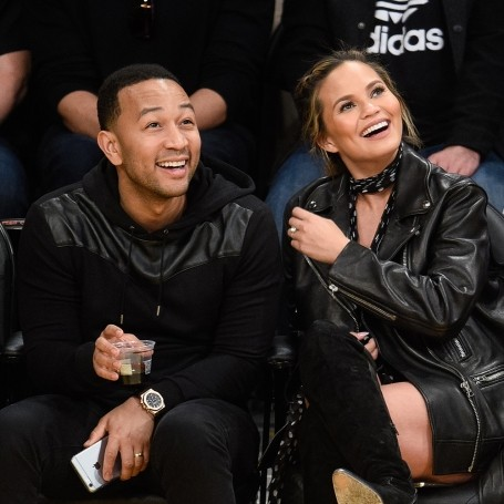 Why everyone should follow Chrissy Teigen