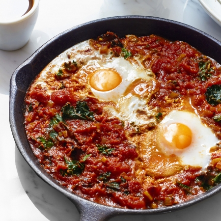 The sirtfood diets shakshuka nutrition redonline red online photograph hannah hughes food styling amy stephenson forumfinder Choice Image