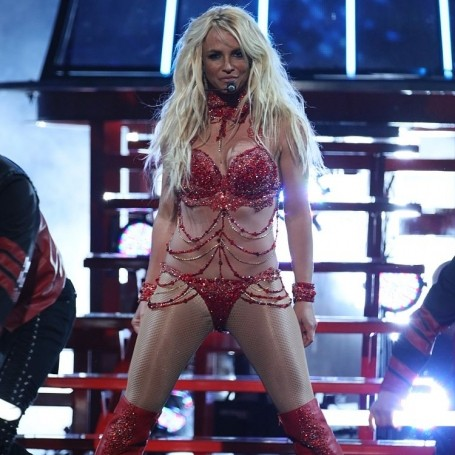 Britney Spears performing at the Billboard Music Awards will make your Monday