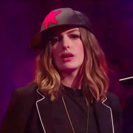 Anne Hathaway will win you over with this rap battle