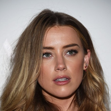 Twitter users rally in support of Amber Heard
