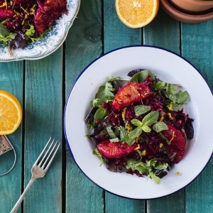 Raw beetroot, lentil and mint salad with orange