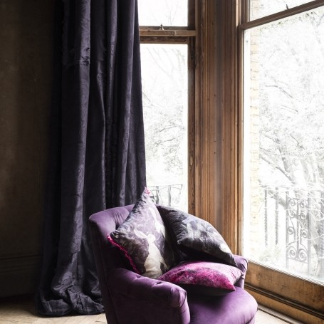 10 velvet pieces your home needs this Autumn and Winter