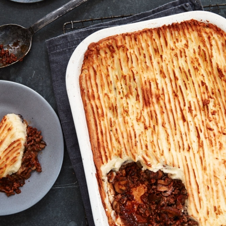 Mary berrys cottage pie with thyme and mushrooms mary berry georgia glynn smith forumfinder Choice Image