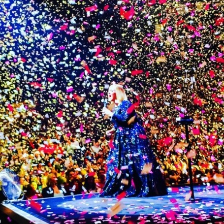 Adele's partner replaced her concert confetti with handwritten love notes
