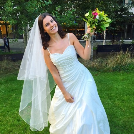 This woman turned up to her Tinder dates wearing a wedding dress