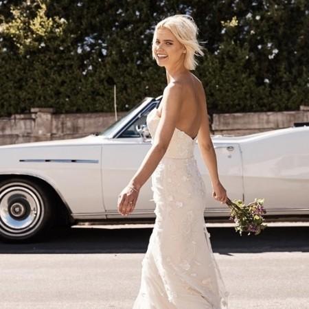 floravere floravere trying on a wedding dress