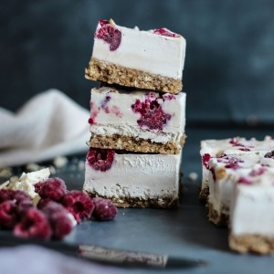 Vegan raspberry and white chocolate slice