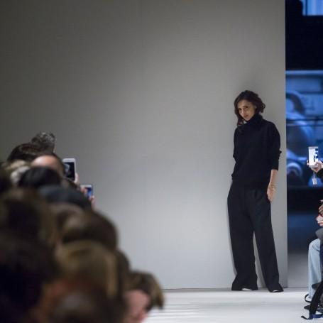Victoria Beckham AW17 Fashion Show