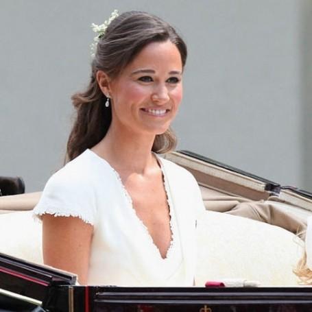 Giles Deacon addresses those Pippa Middleton wedding dress rumours