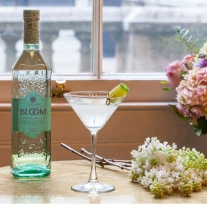 Blooming love gin cocktail