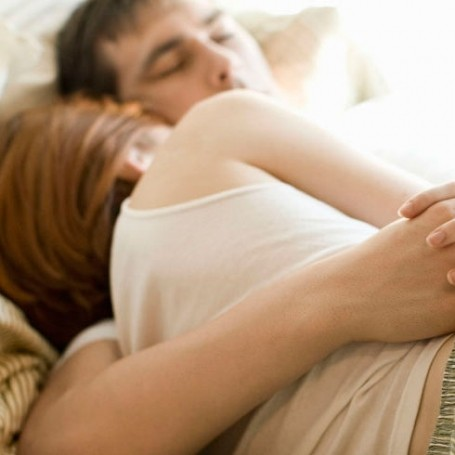 There's One Thing You Should Be Doing During Sex for a Happier Relationship, Study Suggests