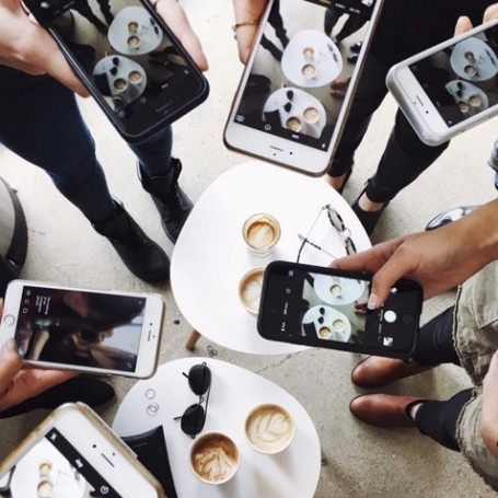 How to take the perfect coffee shop picture for your Instagram