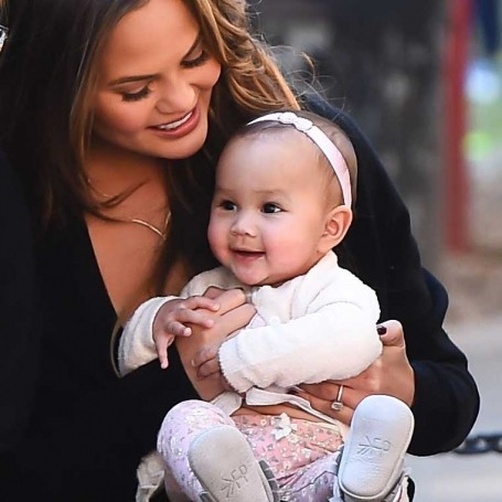 Watching Chrissy Teigen's daughter Luna meet a bunny will melt your heart