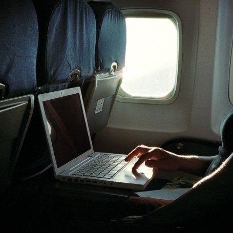 The UK will announce ban on electronic devices on flights
