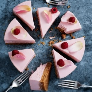 Raspberry and rose jelly cheesecake