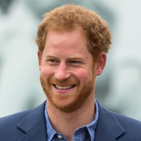 Prince Harry reportedly receives the Queen's permission to propose